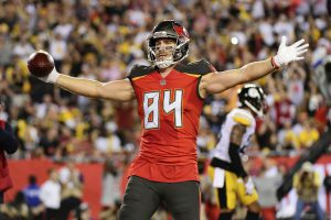 Cameron Brate and more Picks for Your Daily Fantasy Lineup in Week 6