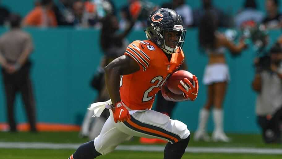 Tarik Cohen carries the ball for the Chicago Bears, the human joystick is one of our Turkey Day Captain Mode Picks