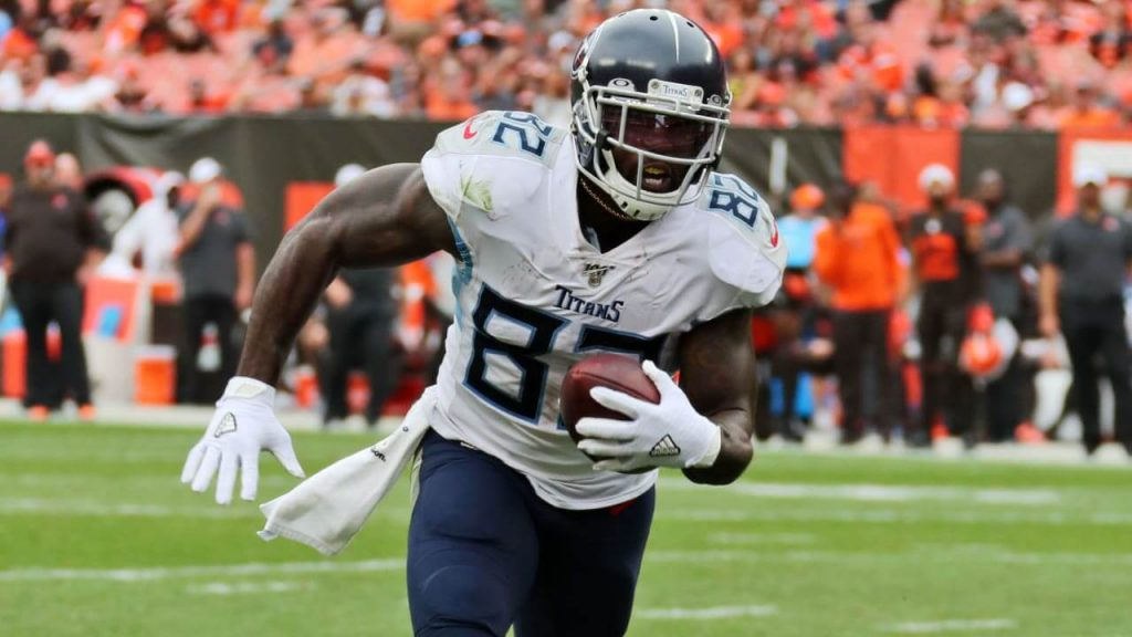 delanie walker and more sneaky plays for your draftkings lineup in week 2